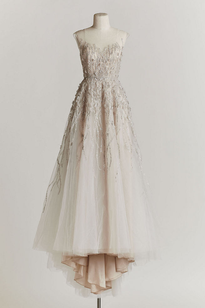 10 exquisitely decadent vintage style wedding dresses for Vintage looking wedding dress