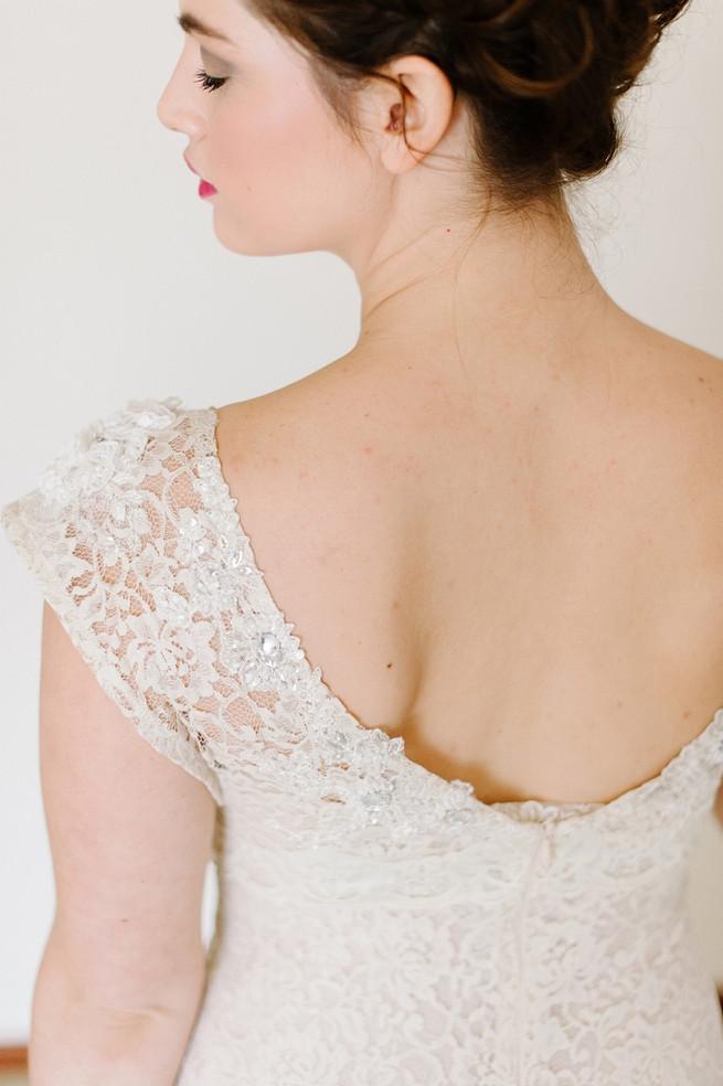 Alana van Heerden Wedding Dress. Bouquet of pink and blush roses, pink tulips, King Protea, lily.// Pics Debbie Lourens