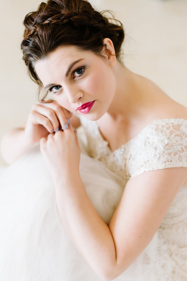 Alana van Heerden Wedding Dress// Pics Debbie Lourens // Make-up and Hair: Fringe Hair and Make-up