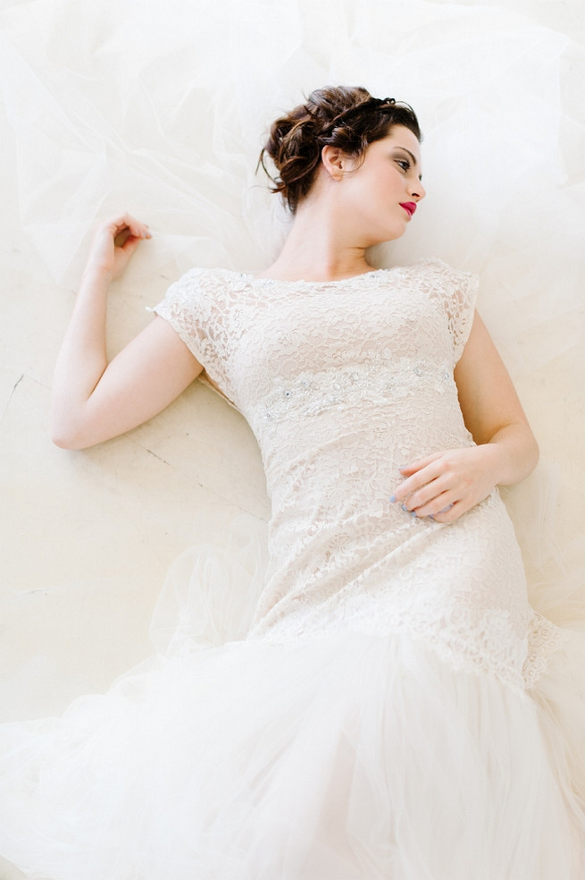 Alana van Heerden Wedding Dress// Pics Debbie Lourens // Make-up and Hair: Fringe Hair and Make-up