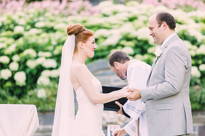 Outdoor garden wedding ceremony at Villa Terrace. / Elegant Milwaukee Wedding Valo Photography