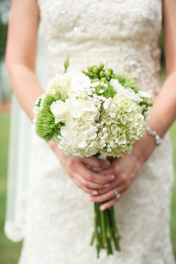Top Ten Rustic Wedding Bouquets 2015 Green And White Brides Bouquet With Hydrangea