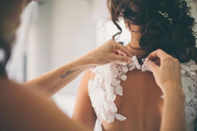 Keyhole wedding gown. Grey White Farm Wedding, South Africa // Maryke Albertyn