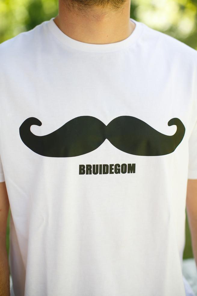 Bruidegom mustache shirt. Pink, purple and green Natte Valleij Stellenbosch Wedding by Adene Photography
