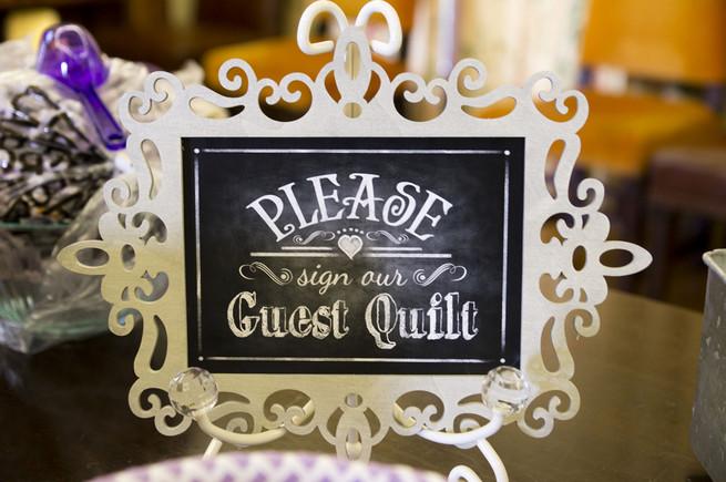 Wedding guest book idea: Guest quilt