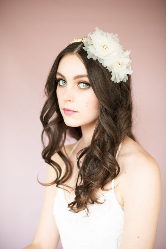 Romantic Vintage Inspired Bridal Hair style