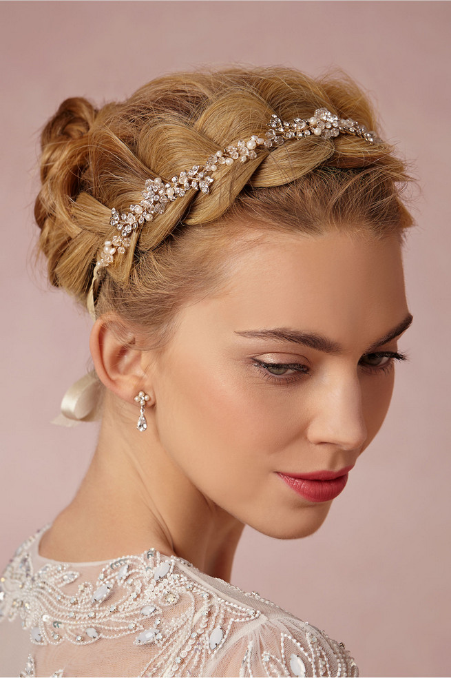 22 Romantic Vintage-Inspired Bridal Hair Styles and Head Pieces!