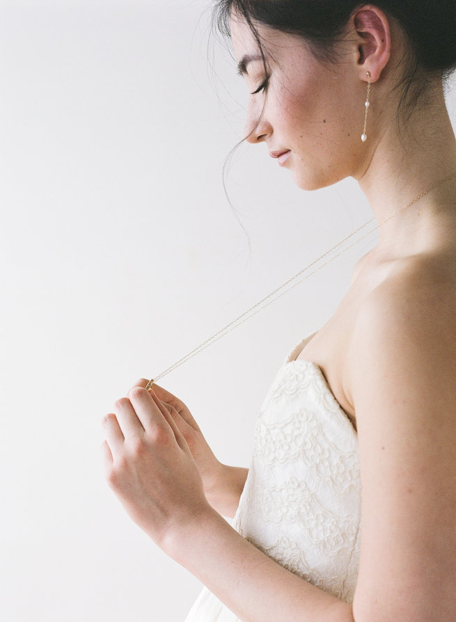 Gold necklace - Truvelle Makers Collaboration - Blush Wedding Photography / Olivia Headpieces / Catherine Hartley Jewellery
