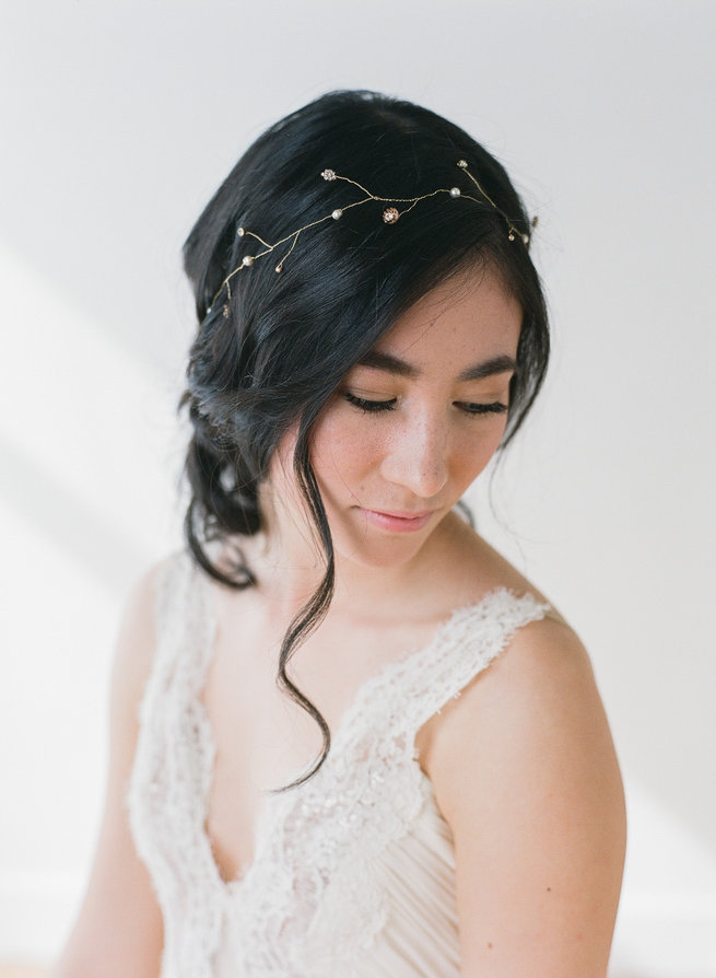 Delicate bridal hair vine - Truvelle Makers Collaboration - Blush Wedding Photography / Olivia Headpieces / Catherine Hartley Jewellery