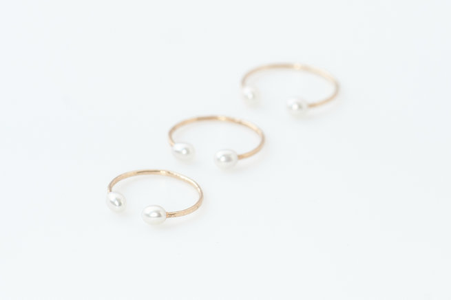 Gold and pearl rings - Truvelle Makers Collaboration - Blush Wedding Photography / Olivia Headpieces / Catherine Hartley Jewellery
