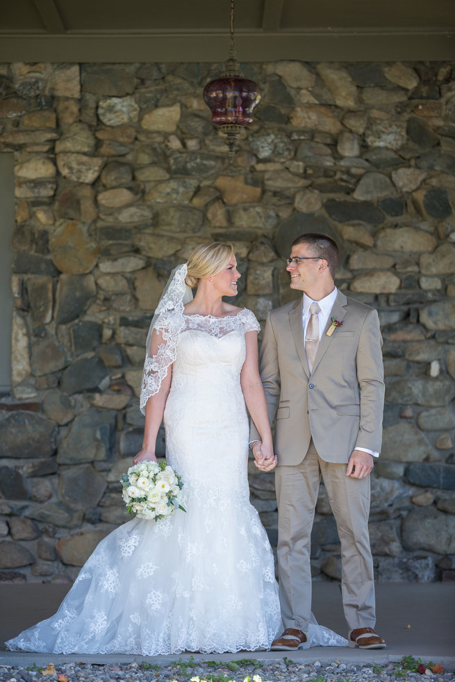 Couple photography  - Beautiful Burgundy and Tan Wedding - Molinski Photo