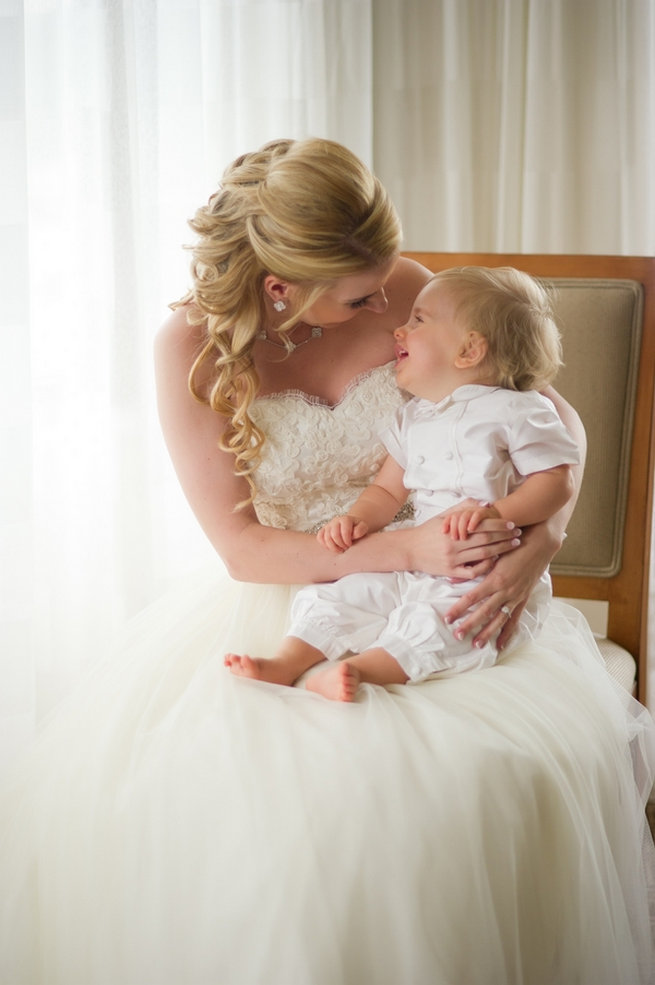 Bride and baby / Blush and Gold Romantic, Glitzy Wedding - Andi Diamond Photography