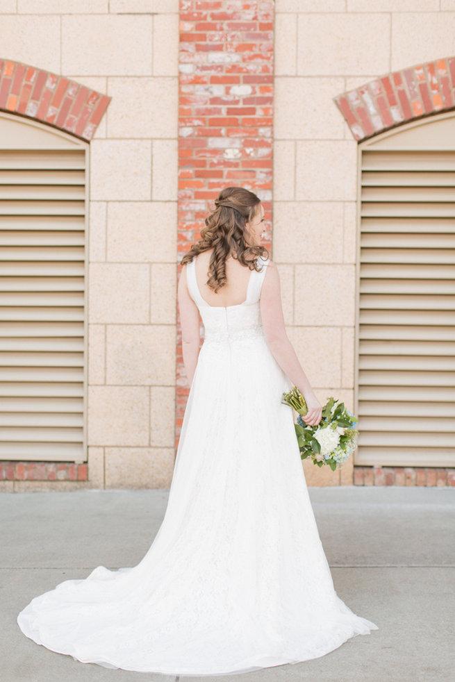 Fresh spring bride. Modern Urban Wedding at Old Cigar Warehouse / Ryan and Alyssa Photography