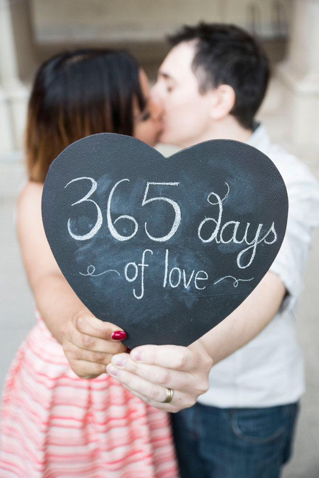 Anniversary photography ideas : Cute first wedding anniversary photo ideas for your shoot