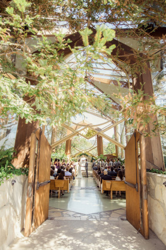 "Romantic Wedding in at Wayfarers ""Tree Chapel"" set in a natural sanctuary in the midst of a forest / Figlewicz Photography"