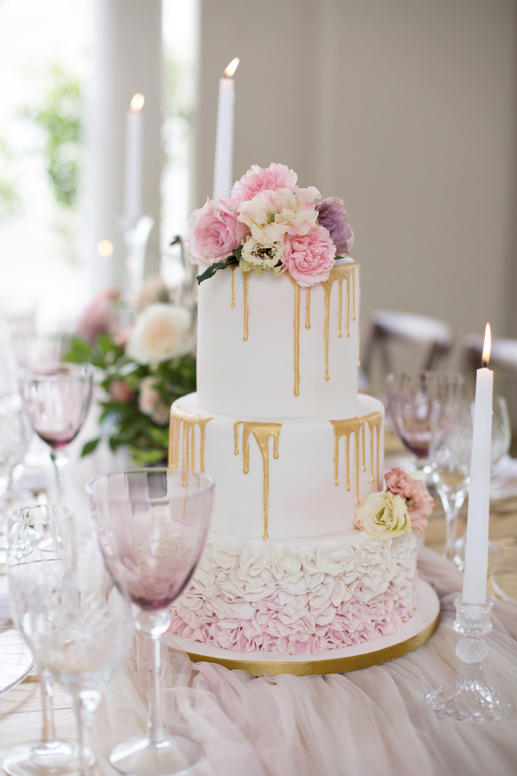 Rose blush ivory and gold wedding tablescape ideas