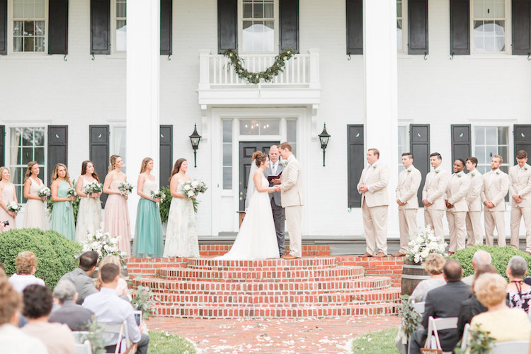Pretty Greenery and Succulent Wedding Ideas