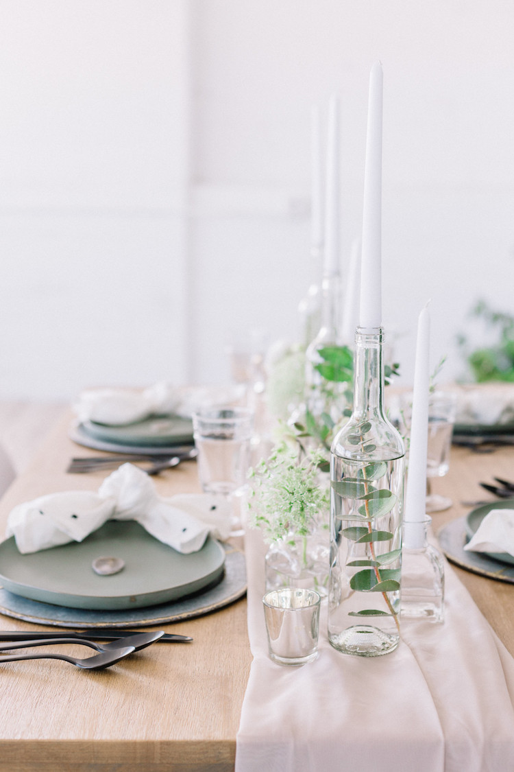 Minimalist Scandinavian greenery wedding inspiration