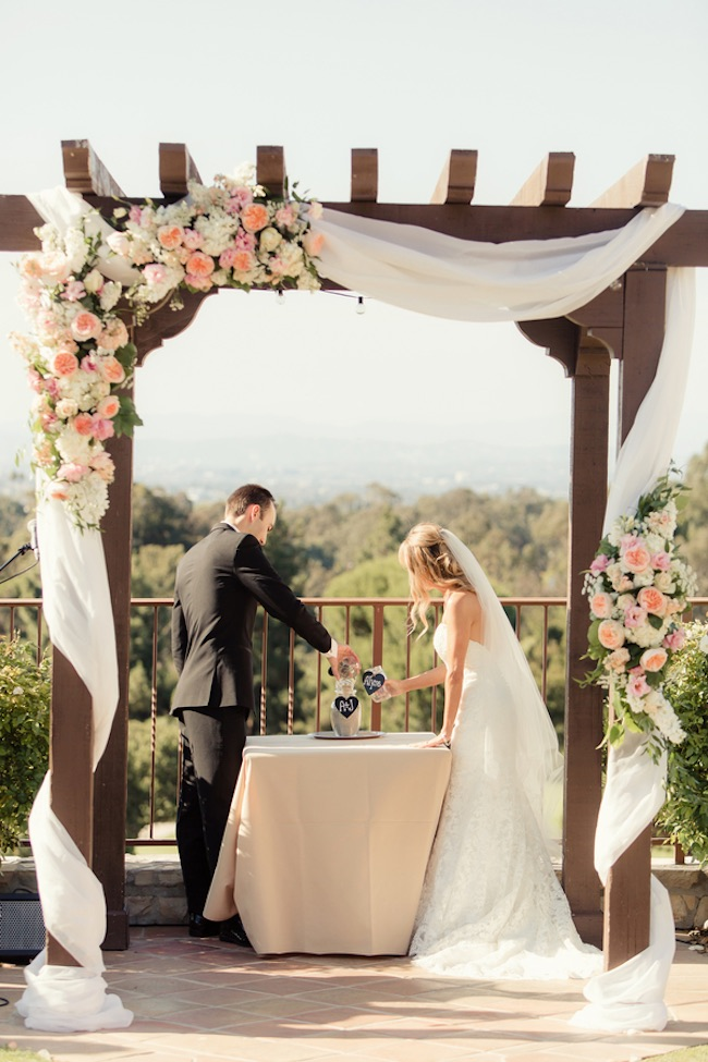 Amazing Wedding Arch Ideas 33
