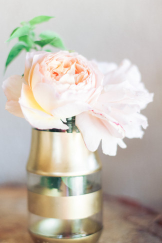 Stunning DIY Gold Glitter Bottle Vase Tutorial