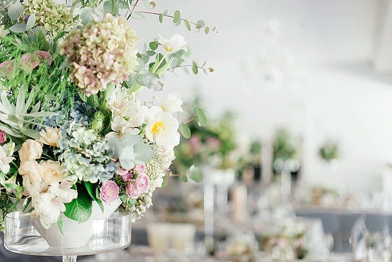 An elegant, atmospheric wedding filled with entertainment! Pics: Debbie Lourens Photography.