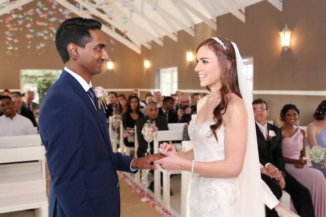 fairy-lights-wedding-57