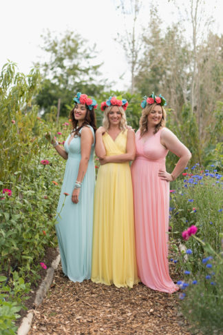 Tips for choosing beautiful Mix and Match Spring Bridesmaid dresses: http://www.confettidaydreams.com/mix-and-match-spring-bridesmaid-dresses/