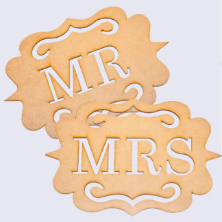 Mr + Mrs Wedding Chair Signs. See 20 more cute and creative ideas here: http://www.confettidaydreams.com/mr-and-mrs-signs/