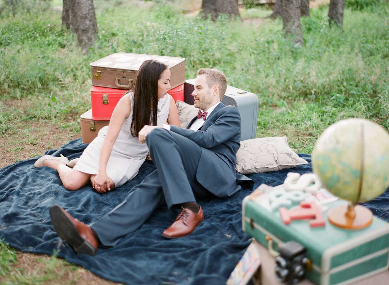 The cutest Travel Themed Engagement Photo Ideas by Bowtie and Bloom