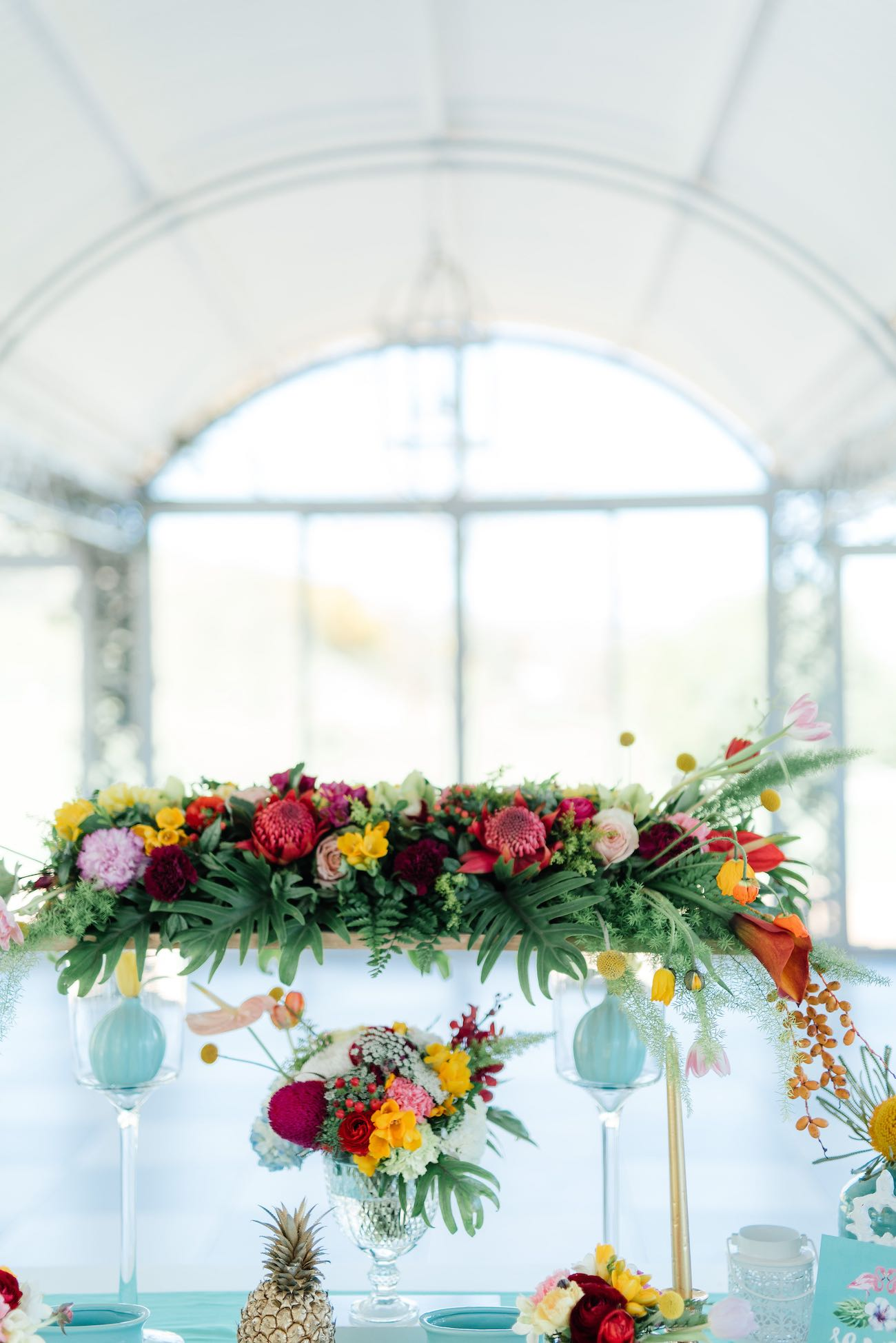 Gorgeous tropical flowers and wedding centerpiece. Click for the most absolutely gorgeous Tropical Wedding ideas ever!