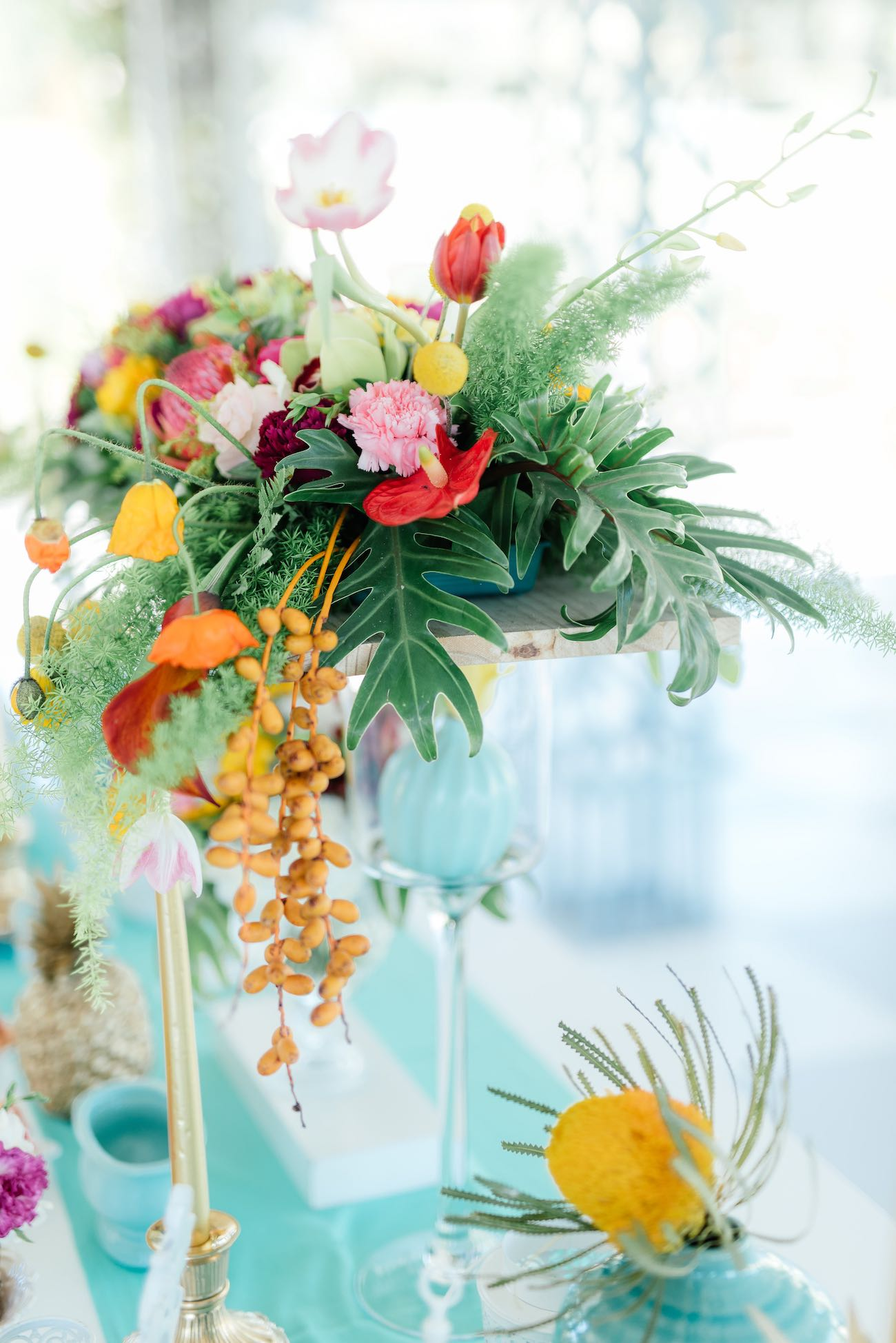 Gorgeous tropical wedding flower decor. Click for the most absolutely gorgeous Tropical Wedding ideas ever!